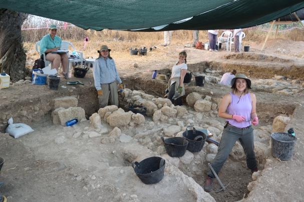 Summer archaeology field school